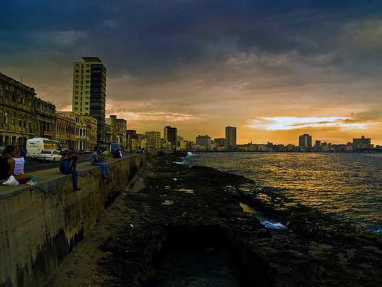 Cuba Arquitectura El Malecon